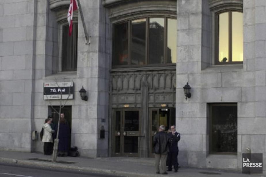 Le bâtiment montréalais du Service canadien du renseignement... (Photo d'archives La Presse)