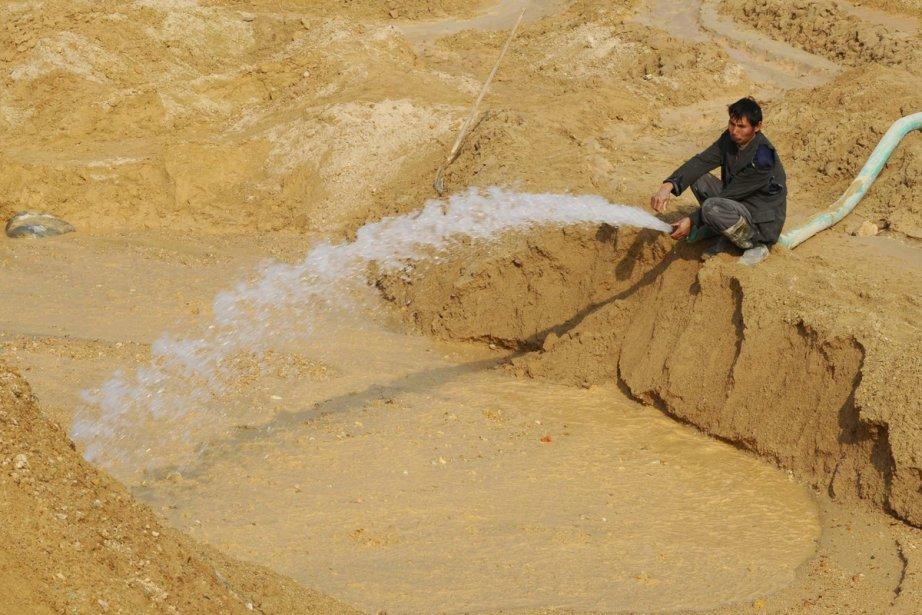 Les 17 substances métalliques, appelées «terres rares», constituent... (Photo: Reuters)
