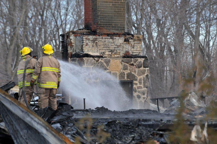 L'incendie s'est déclaré vers 4h. Les flammes se sont propagées à une grande vitesse. | 30 mars 2011