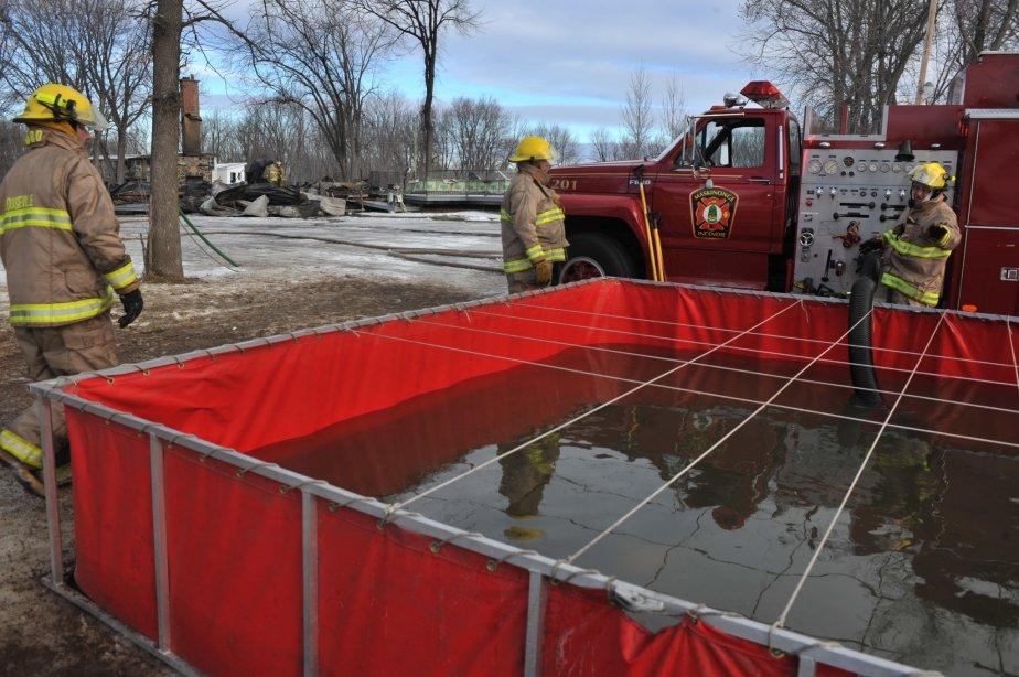 Vingt pompiers maskinongeois étaient sur les lieux pour combattre l'incendie. Ils ont reçu l'aide de cinq confrères de Saint-Barthélemy et de 10 pompiers de Louiseville. | 30 mars 2011
