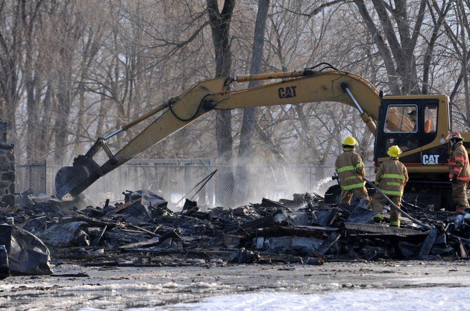 Un problème électrique pourrait être à l'origine de l'incendie, selon les pompiers. | 30 mars 2011