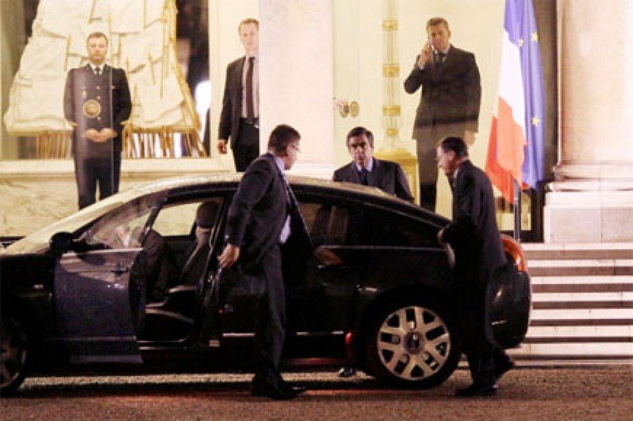 François Fillon, après sa rencontre avec Nicolas Sarkozy,... (Photo: AFP)