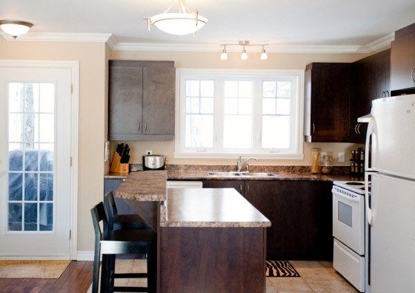 Lumiere armoire cuisine belle cuisine nous a fait l for Feuille de melamine cuisine