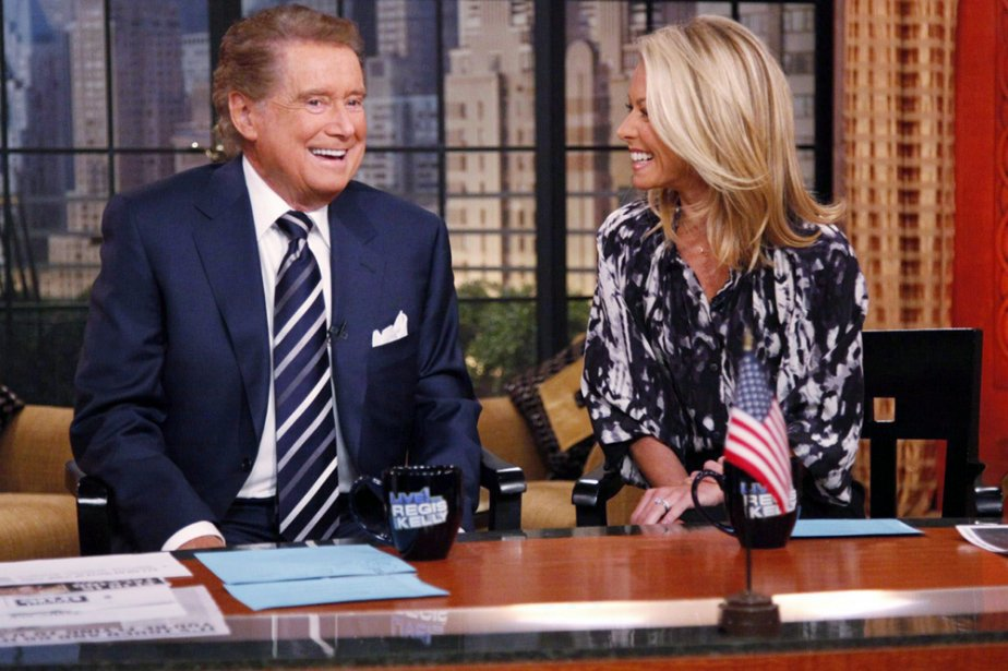 Regis Philbin coanime Live With Regis and Kelly... (Photo: PC)