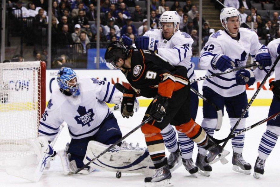 Les Maple Leafs de Toronto ont offert à leur gardien... (Photo Reuters)
