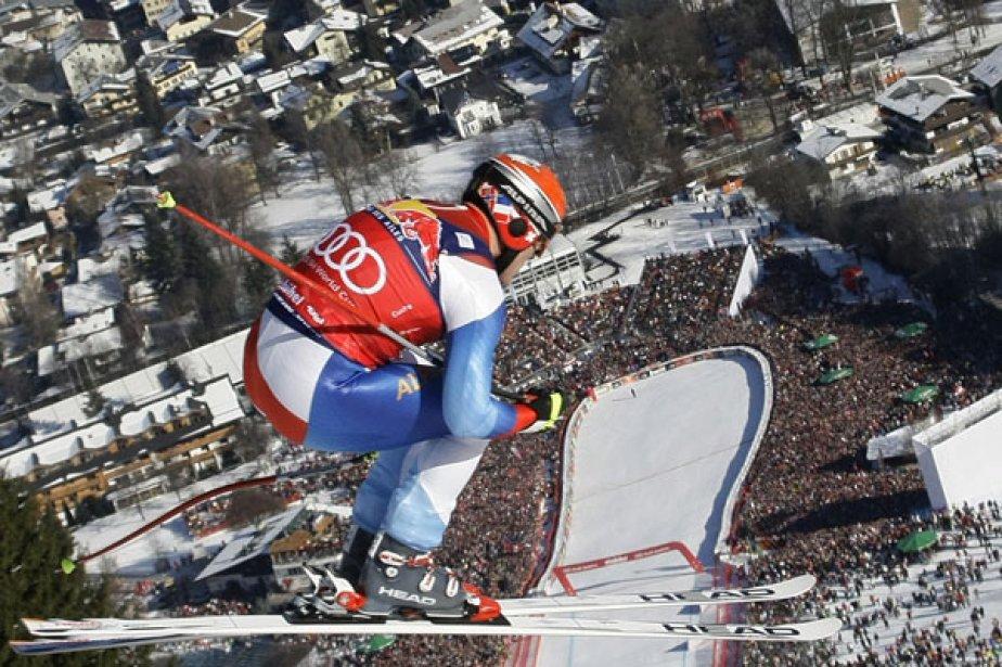 Le Suisse Didier Cuche et une vue plongeante... (Photo Reuters)
