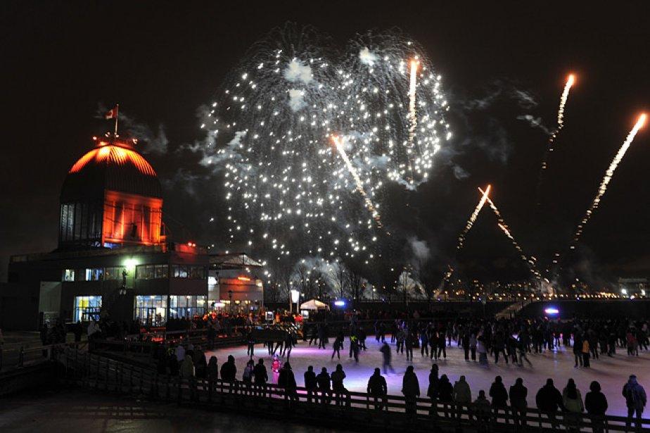 Les feux d'artifice font la joie des patineurs... (Photo: Bernard Brault, archives La Presse)