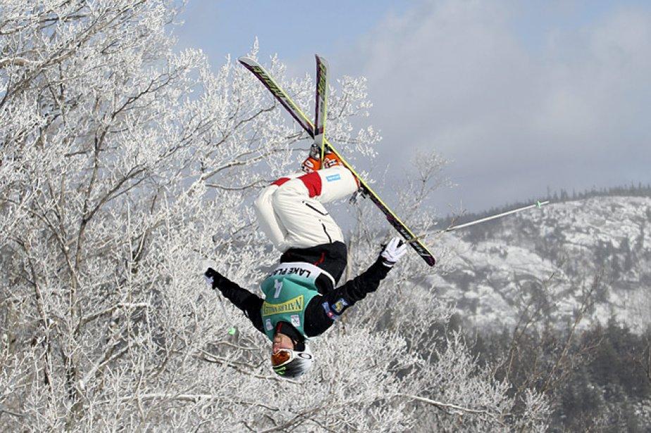Alex Bilodeau lors d'un saut.... (Photo: PC)