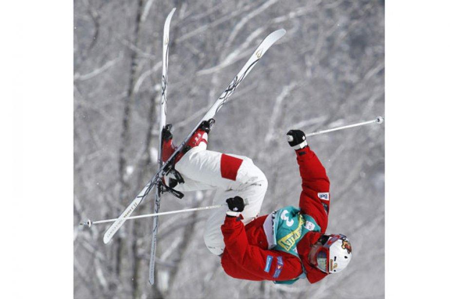 Mikaël Kingsbury a enlevé la deuxième place dimanche... (Photo: Mike Groll, Associated Press)