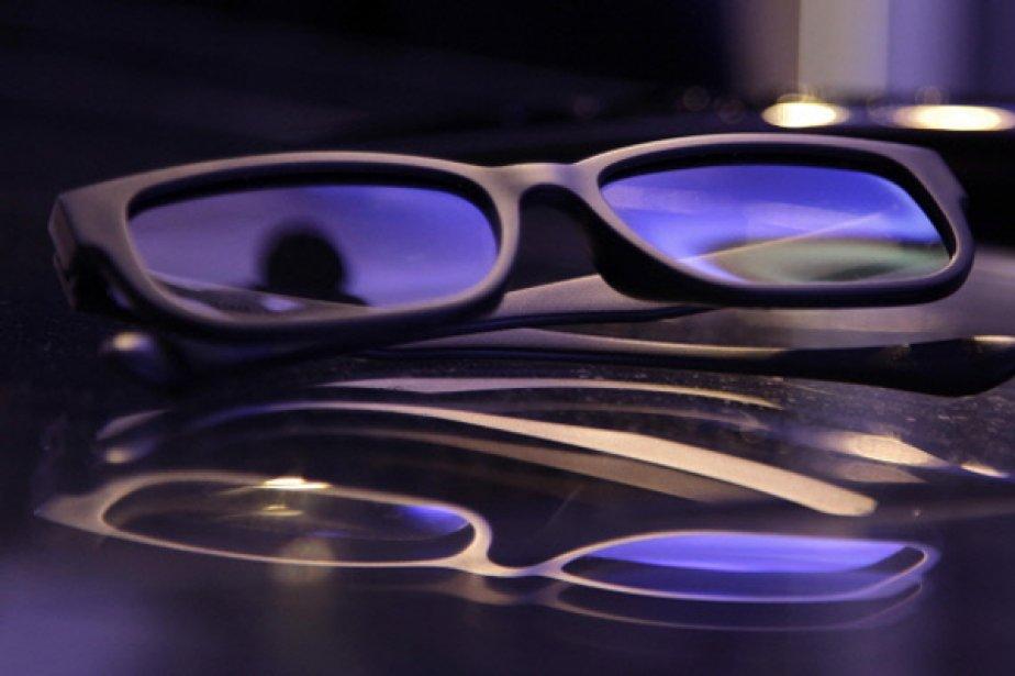 Les fameuses lunettes 3D seront bientôt dépassées.... (Photo AFP)