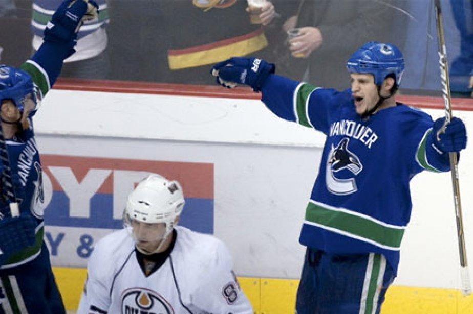 Les Canucks ont annulé l'entraînement de dimanche, et... (Photo: Reuters)