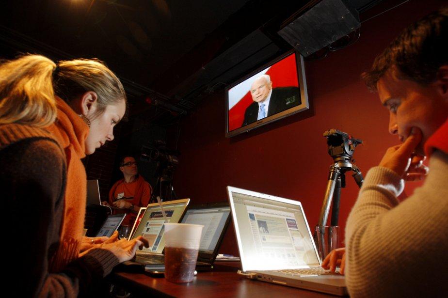 Avec les nouvelles façons de «consommer» l'information (blogues... (Photo: Reuters)