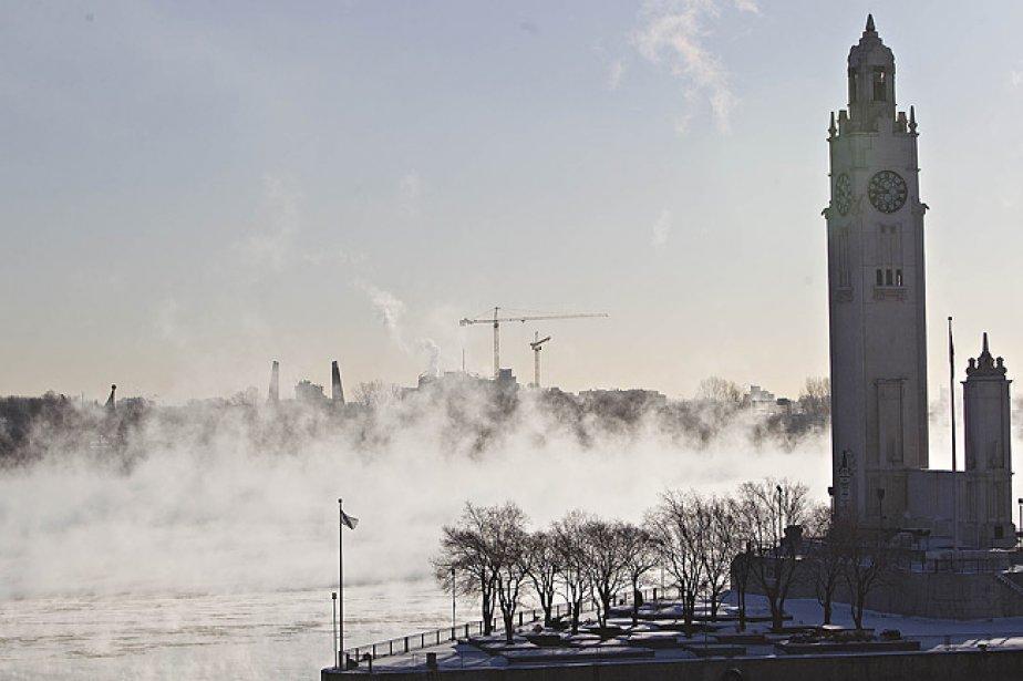 Le quai de l'horloge et le fleuve Saint-Laurent,... (Photo: Patrick Sanfaçon, La Presse)
