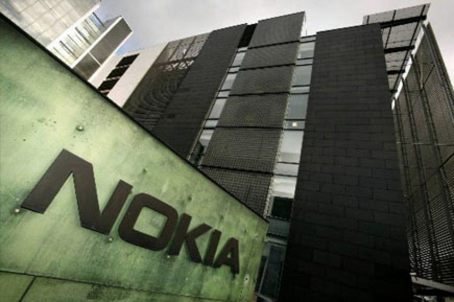 Les ventes d'appareils téléphoniques Nokia ont chuté de... (Photo: Reuters)
