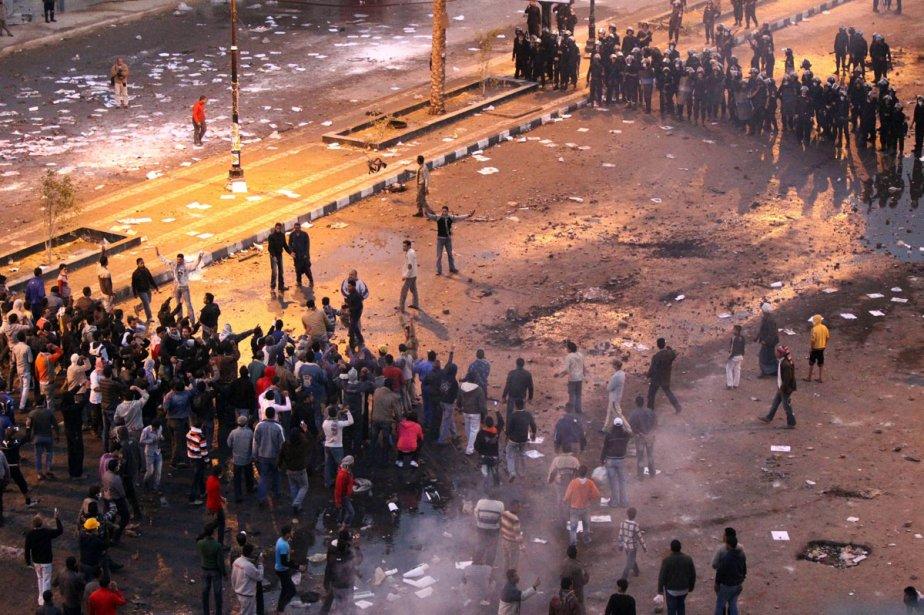 Les manifestations se sont poursuivies, jeudi, au Caire.... (Photo: AFP)