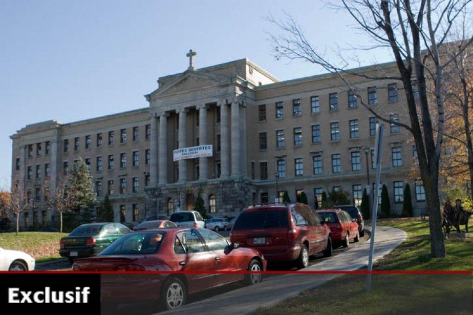 Le collège Jean-de-Brébeuf à Montréal.... (Photo: Armand Trottier, archives La Presse)