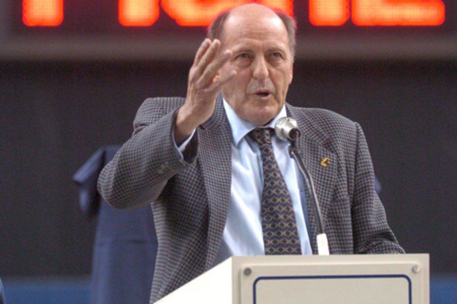Ron Piché lors d'une cérémonie en son honneur... (Photo: Bernard Brault, archives La Presse)