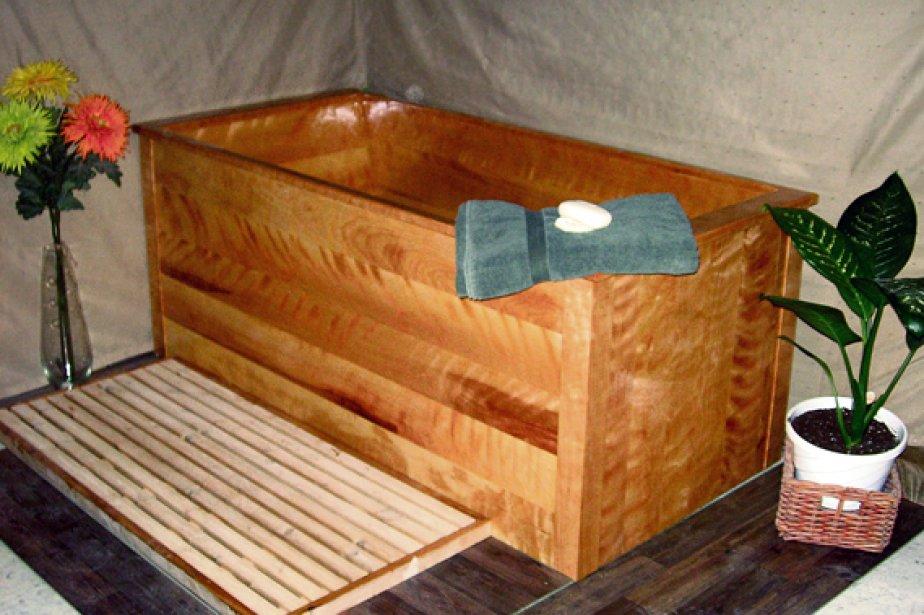 Quand la salle de bains se pare de bois lise fournier for Bain moussant fait maison