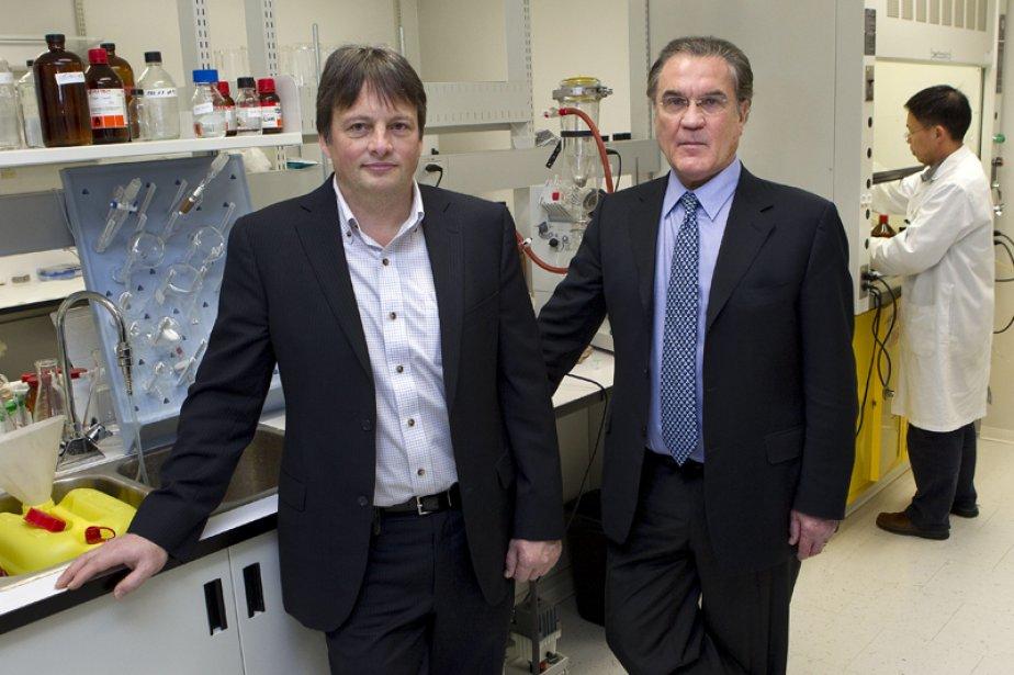 Michel Demeule et Jean-Paul Castaigne, directeur de la... (Photo Robert Skinner, La Presse)
