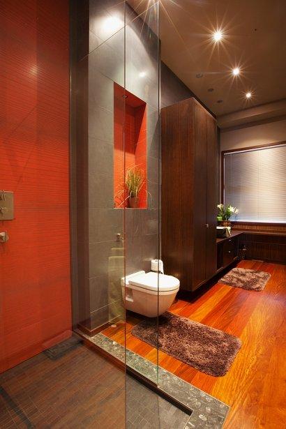 salle de bain japonaise traditionnelle avec un superbe sol en galets - Salle De Bain Japonaise Traditionnelle