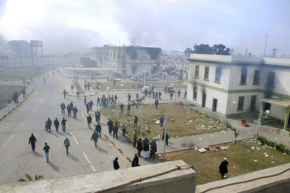 Plusieurs personnes protestent contre le gouvernement lybien à... (Photo: AP)
