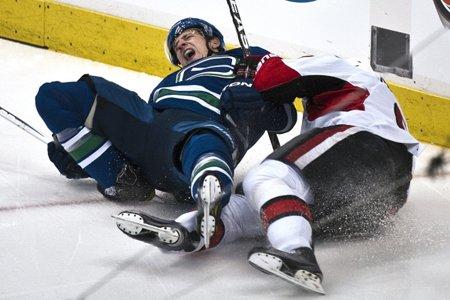 Victime d'une blessure au genou qui semblait très... (Photo: Reuters)