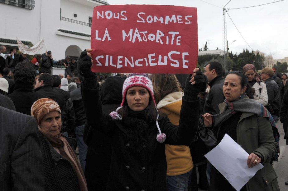 Des femmes ont manifesté, hier, à Tunis, pour... (Photo: AFP)