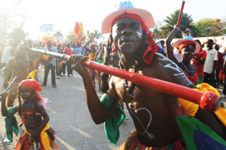 Des foules en liesse dansaient dans les rues de Port-au-Prince,... (Photo: AFP)