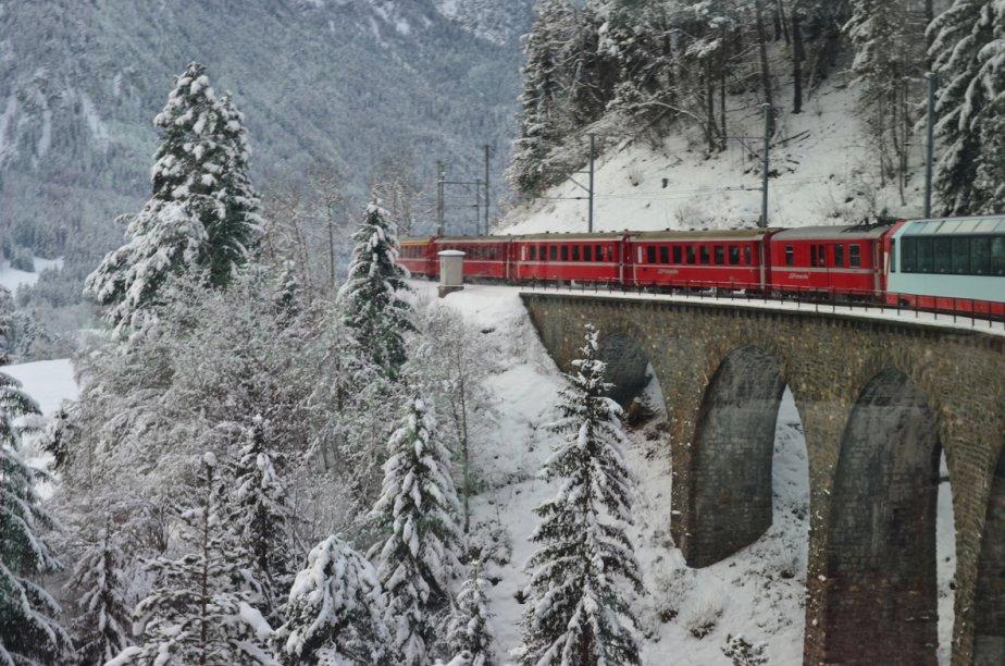 À bord du Bernina Express, sur la route... (Photo: Violaine Ballivy, La Presse)