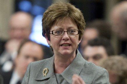 La ministre fédérale des Ressources humaines, Diane Finley,... (Photo: PC)