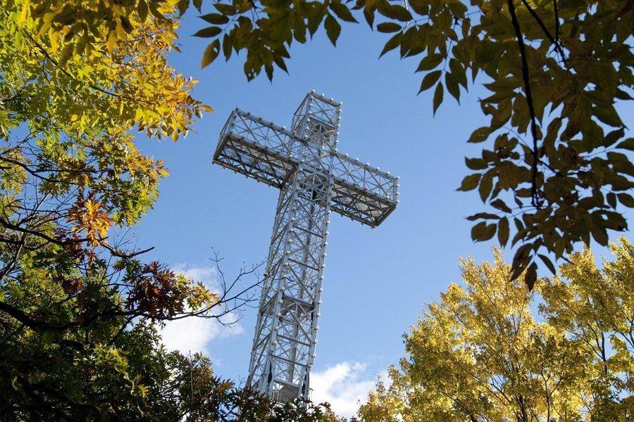 La croix du mont Royal.... (Photo: David Boily, Archives La Presse)