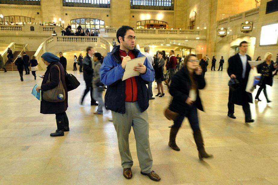 Jason Polan à l'oeuvre à la gare de... (Photo: AFP)