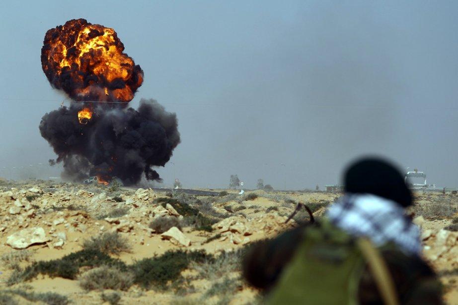 De violents combats font rage près de Ras... (Photo: Reuters)