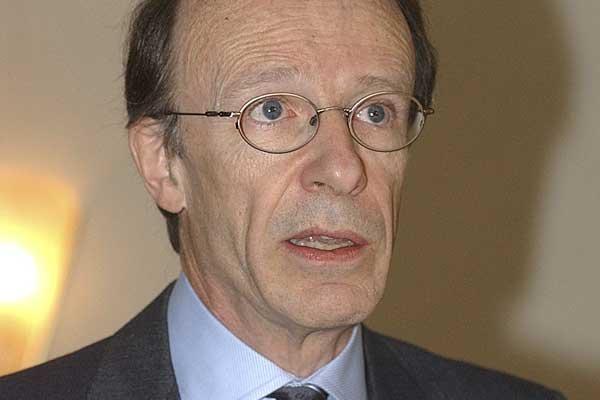 Pierre Fortin... (Photo archives La Tribune)