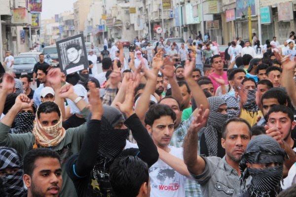 Des manifestants appellent à la libération de prisonniers... (Photo Reuters)