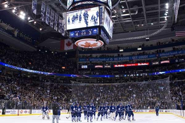 Les enchères pour devenir le prochain propriétaire majoritaire... (Photo La Presse Canadienne)