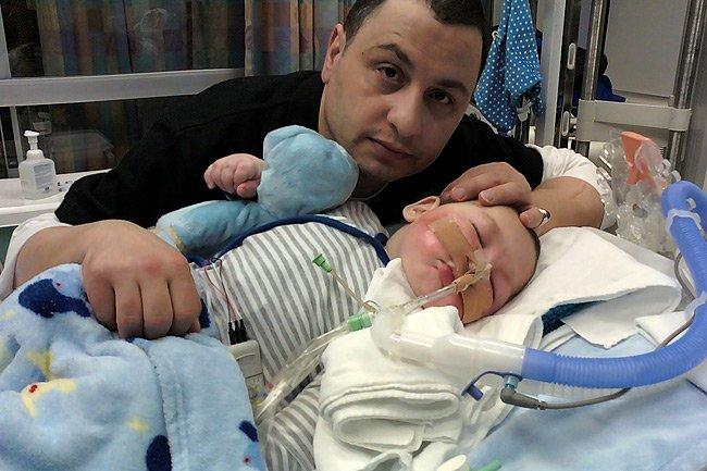 Moe Maraachli pose avec son fils Joseph, âge... (Photo: PC)