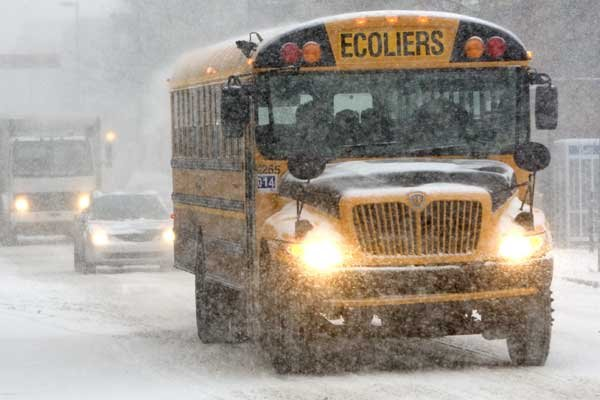Les taxes scolaires servent entre autres, selon les... (Photo Robert Skinner, La Presse)