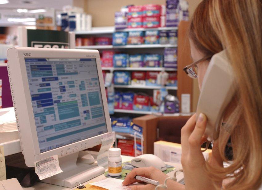 Les pharmaciens réclament des activités supplémentaires. Leurs propositions... (PHOTO: BERNARD BRAULT, ARCHIVES LA PRESSE)