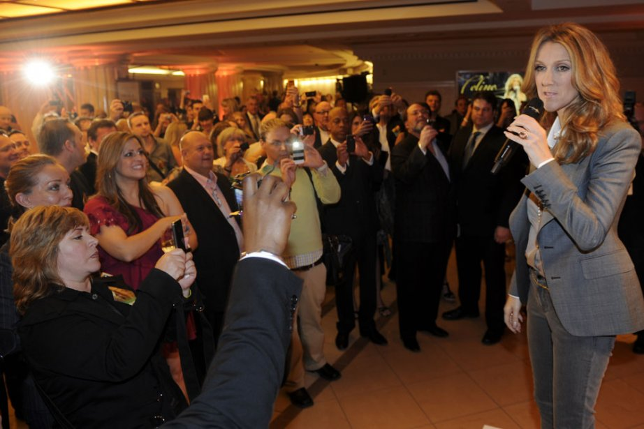En fin de soirée, Céline Dion a salué... (Photo: Bernard Brault, La Presse)