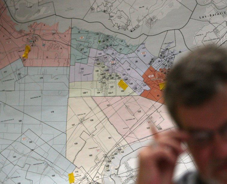 Dans la réforme de la carte électorale, libéraux... (PHOTO: MARTIN CHAMBERLAND, ARCHIVES LA PRESSE)