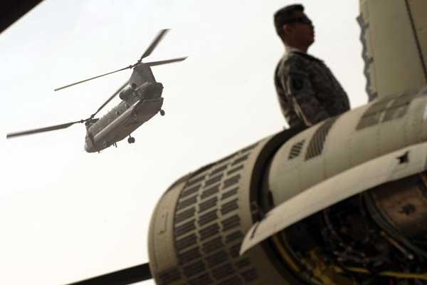 La guerre en Afghanistan est de plus en... (Photo AFP)