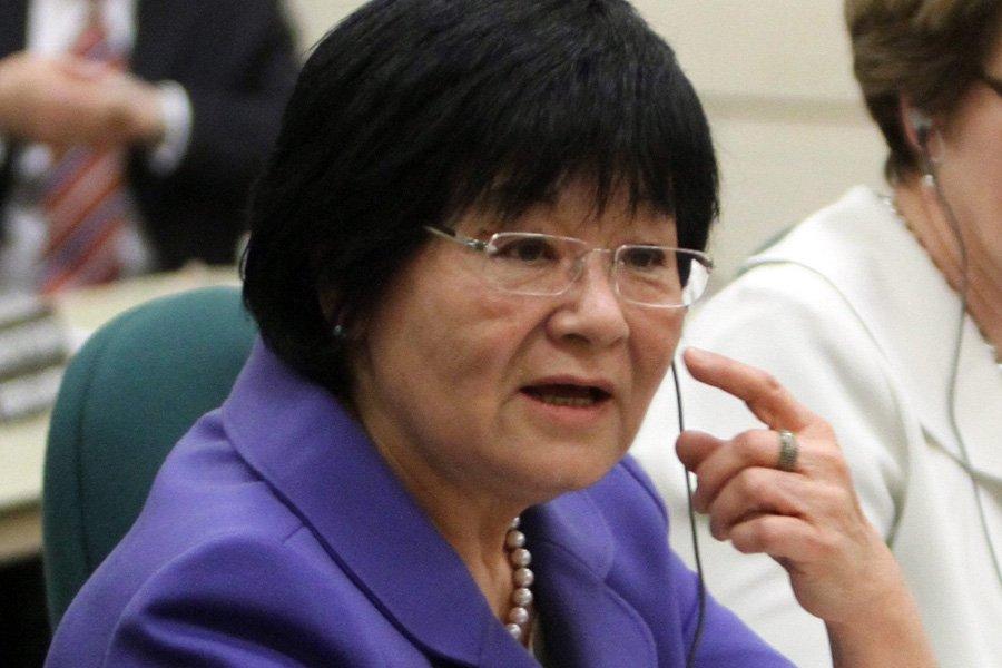 La ministre de la Coopération internationale, Bev Oda,... (Photo: PC)
