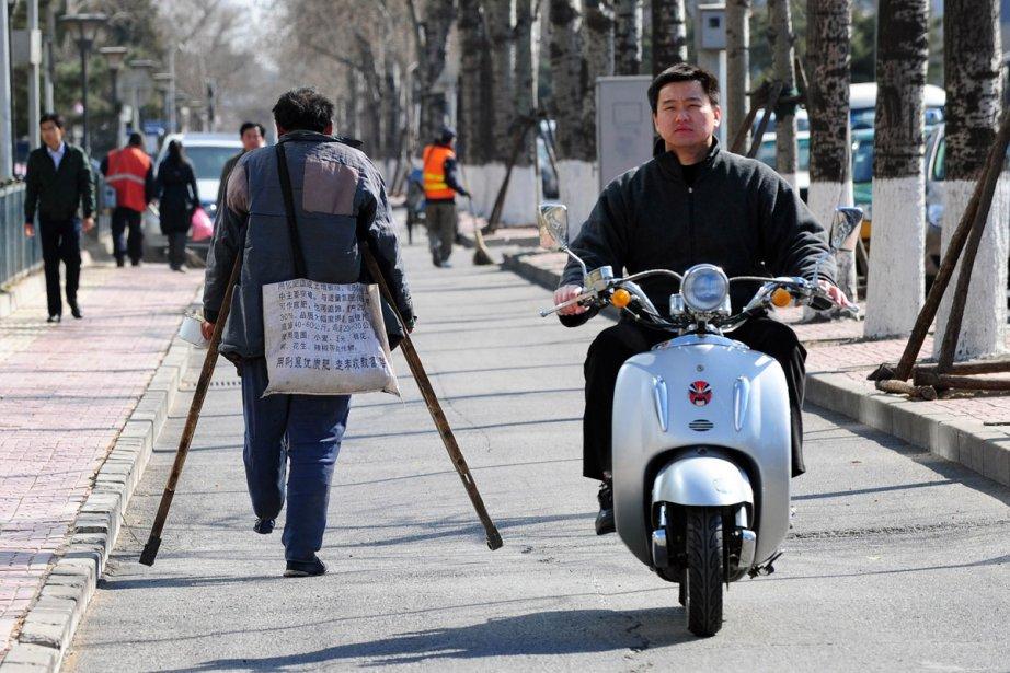 De plus en plus de Chinois s'unissent pour... (Photo: AFP)