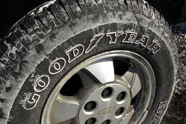 Goodyear a subi une perte nette sur l'ensemble... (Photo AP)