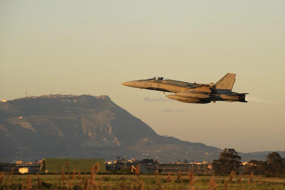 Un chasseur CF-18 de l'armée canadienne.... (Photo: PC)