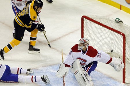Nathan Horton a déjoué Carey Price à deux... (Photo: Reuters)