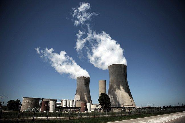 Une centrale nucléaire en France.... (Photo: AFP)