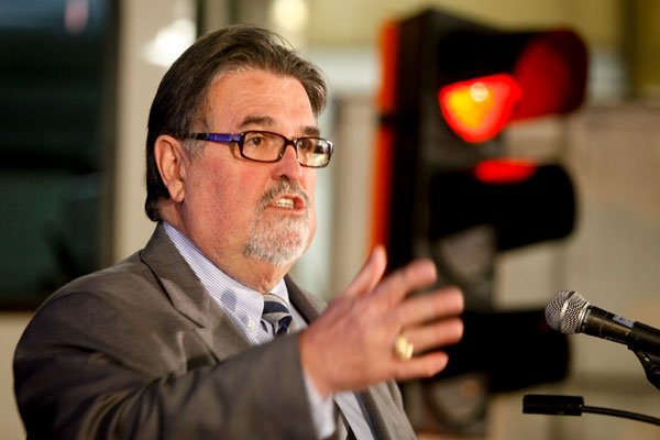 Le ministre des Transports du Québec, Norman MacMillan.... (Martin Roy, LeDroit)