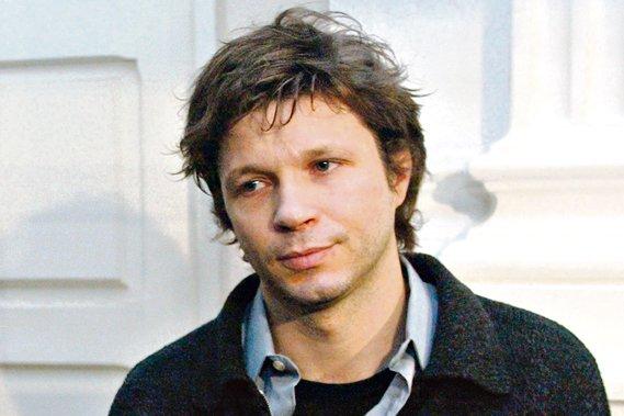 L'ancien chanteur de Noir Désir, Bertrand Cantat... (AP)